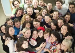 group-hug-raam1-428x303